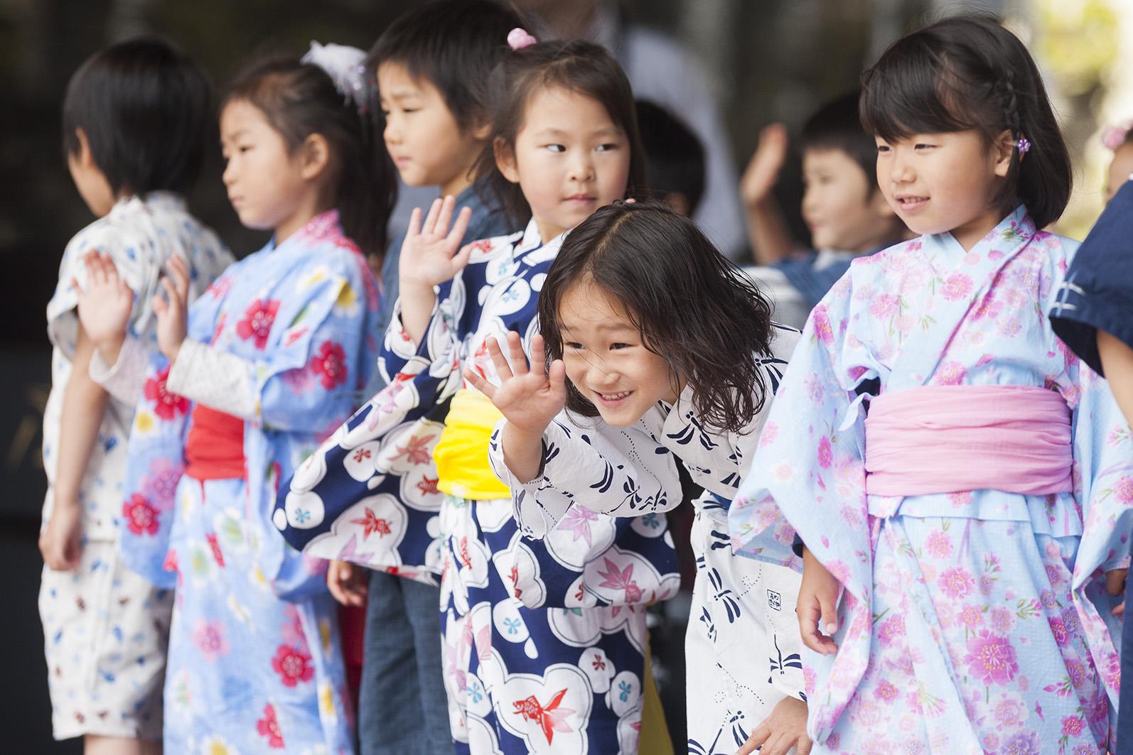 Japanische Kinder auf der Bühne © Düsseldorf Tourismus GmbH